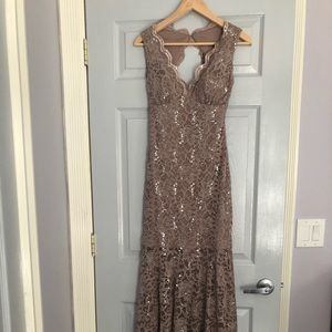 Beautiful party dress, only worn once!!